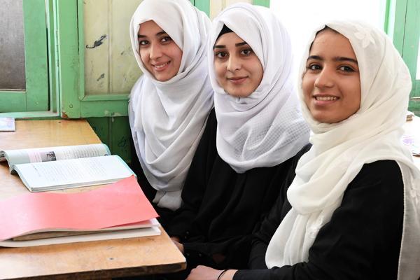 دانش آموزان مکتب